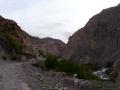 По ущелью реки Искандердарья